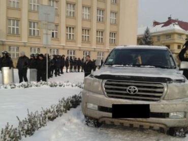 """Ужгородским """"оленям"""" закон не писан: паркуюсь там, где хочу"""