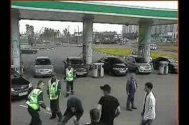 Милиционеры охраны пресекли выяснение отношений на АЗС