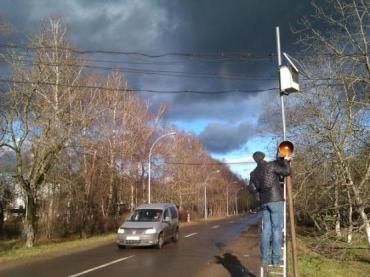 """Светофор на солнечной энергии установили около КПП """"Лужанка"""""""