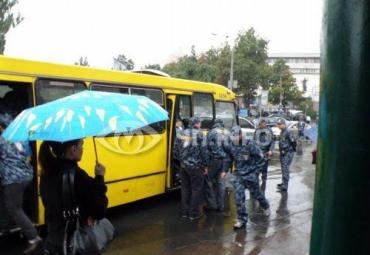 Мужчина устроил стрельбу посреди Львовской площади