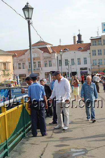 Мер Ужгорода наїхав на рибалку-«бомжа»