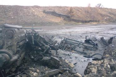 Под Иловайском активисты нашли тела 24 погибших украинских военных