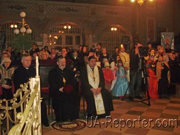 В кафедральному соборі м. Ужгорода розпочався конкурс-фестиваль «Вертеп-2011»