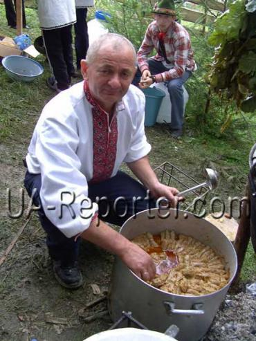 В Закарпатье проходит продолжается фестиваль голубцов