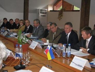 На Закарпатті пройшла зустріч урядовців між українською і словацькою делегаціями