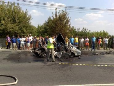ДТП в Румынии: водитель Dacia и его семья сгорели заживо в авто