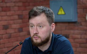 Невідомі жорстоко побили харківського депутата