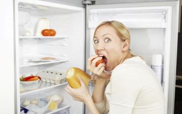Які продукти не можна їсти перед сном