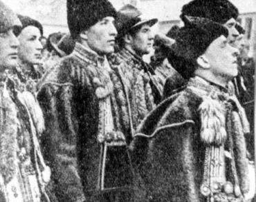 Із початку 30-х років на Закарпатті прокидається громадсько-політичний рух