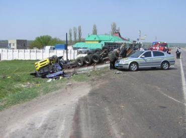 "На автодороге ""Ульяновка-Николаев"" перевернулся ""МАН"""