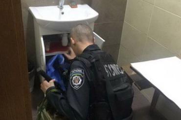 В туалете городского совета обнаружена боевая граната