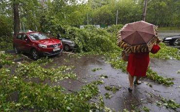 Негода, яка накрила Україну останніми днями, спричинила чимало проблем