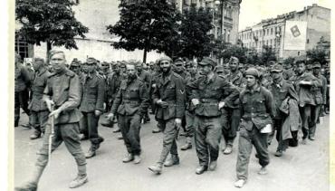 Немецкие пленные на улицах Киева