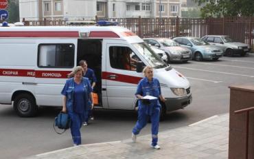 Самогубець перерізав собі горло біля київського вузу