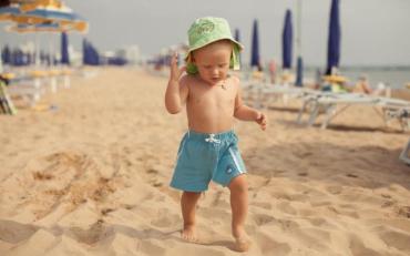 Засмага для дітей є скоріш шкідливою, ніж корисною заявив Комаровський