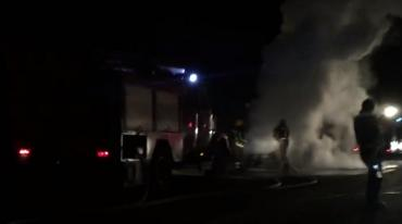 Пожар произошел на трассе в районе с.Кольчино около 19:45