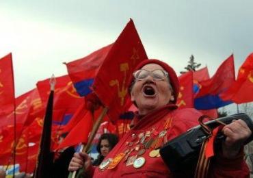На 9 мая коммунисты будут прикалывать георгиевские ленточки бандеровцам