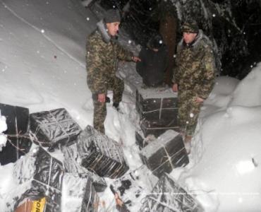 В 200 метрах от госграницы Румынии обнаружила пакеты с сигаретами