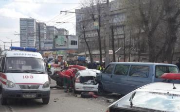 У Чернівецькій області, хлопець збив пішохіда, якого від удару розірвало навпіл