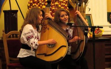 Емоційний концерт двох українських бандуристок у польській столиці