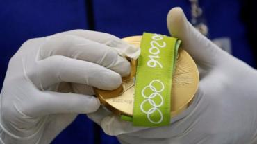 У нашей команды одно золото, пять серебряных наград и две бронзы