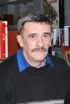 Поет Петро Мідянка