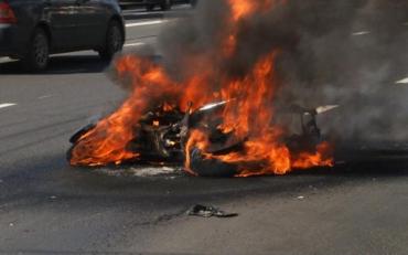 Під Харковом мотоцикліст згорів живцем