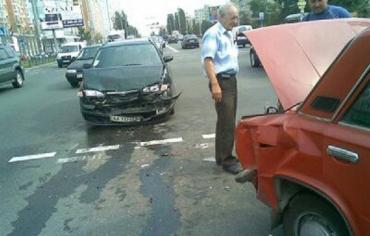 """В столице """"Mazda"""" заехала в багажник """"Жигули"""""""