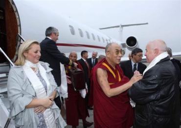 Далай-ламы прибыл в Чехию по приглашению экс-президента страны Вацлава Гавела