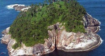 Кеймада-Гради, расположенный в десятках километров от побережья Бразилии