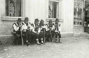 На видео - кадры 1930 года в Карпатах