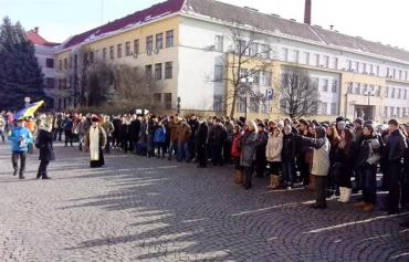В Ужгороде проходит митинг в поддержку Евромайдана