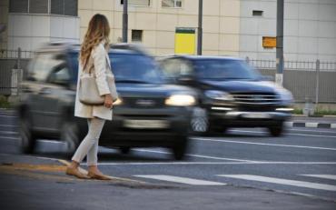 У Києві сталась моторошна ДТП, пішохода знесли дві автівки