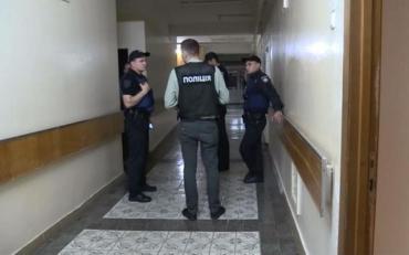Поліціяі затримала чоловіка, який погрожував підірвати лікарню разом пацієнтами