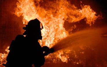 Жахлива пожежа у квартирі забрала життя одніє дитини, друга у лікарні