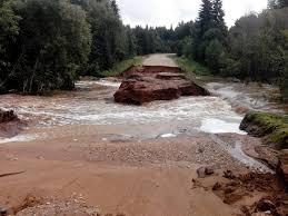 Водой было повреждено дорогу местного значения