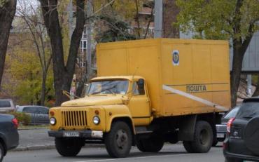 Вантажівка Укрпошти двічі переїхала киянку
