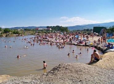 Найбільшим із солоних озер Солотвино є озеро Кунігунда