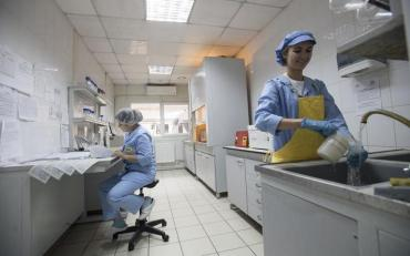 На Київщині спалахнув фармацевтичний завод