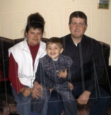 Теперь они счастливая семья : Моника и Эдмонд Бейреши с сыном из Закарпатья