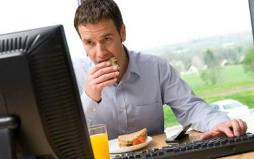 Скільки потрібно їсти, щоб гарно виглядати та зберегти працездатність