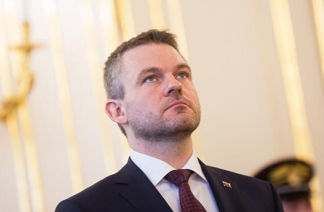 Премьер Словакии разъяснил отказ высылать русских дипломатов