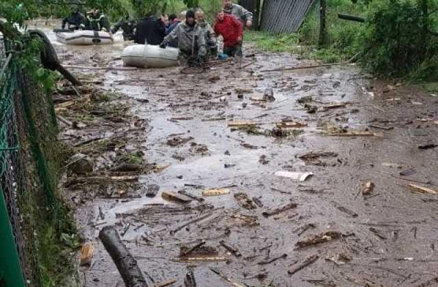 Напомощь жителям Западной Украины пришла Нацгвардия иавиация