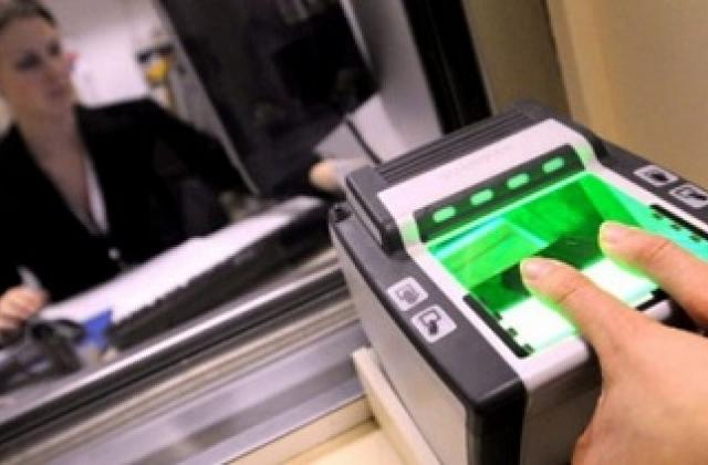 Неменее 15 тыс. граждан России прошли биометрический контроль наукраинской границе