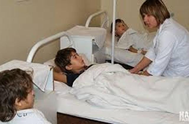 ВКиевской области отравились неменее 20 детей