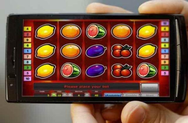 Обработка заявок в онлайн казино Monoslot проходит круглосуточно