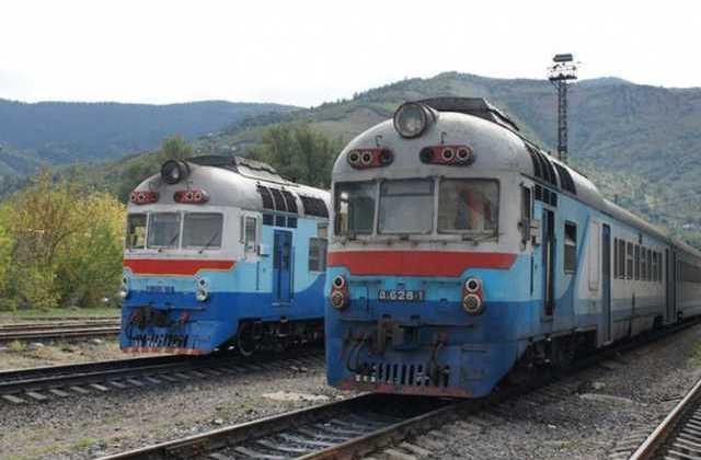 """Приміський поїзд """"Коломия-Рахів"""" зазнає змін у курсуванні"""