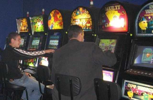 Игровой автомат fisticuffs на redpingwin играть