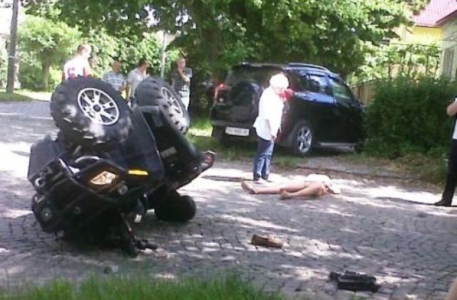 pizdolizi-v-avto-segodnya-napoil-i-trahnul-russkuyu-tetku-v-godah