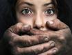 В городе Ровно педофил изнасиловал двух несовершеннолетних девочек